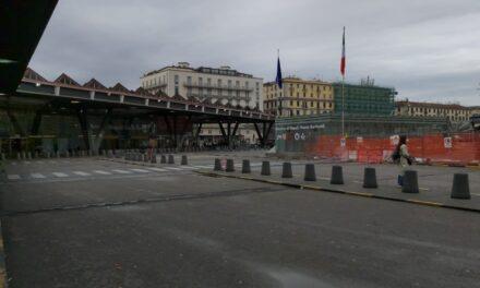 Scatta la protesta dei tassisti napoletani. Stazione Garibaldi senza taxi