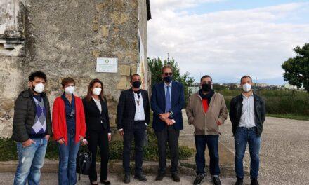 """Afragola. Il Prefetto visita la """"Masseria Esposito Ferraioli"""", bene confiscato alla criminalità organizzata."""
