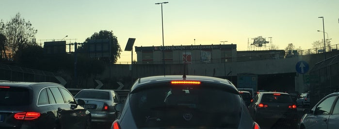 Tangenziale di Napoli in tilt. Incidente blocca l'uscita: ecco dove