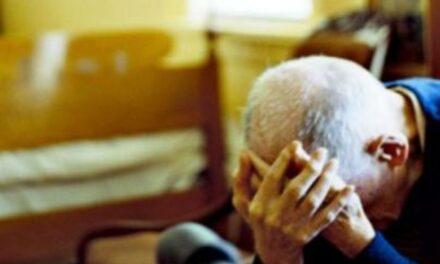 Parma, con la scusa di vendere frutta rapinano un anziano: arrestati tre uomini di Afragola e Casoria