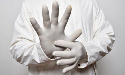 Covid in Campania, oggi 1.410 contagiati, aumentano i ricoveri in terapia intensiva