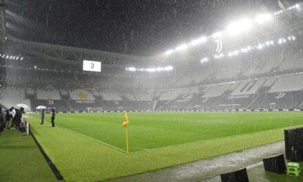 Juve-Napoli. Il giudice decreta il 3-0 a tavolino e -1 per gli azzurri: il motivo