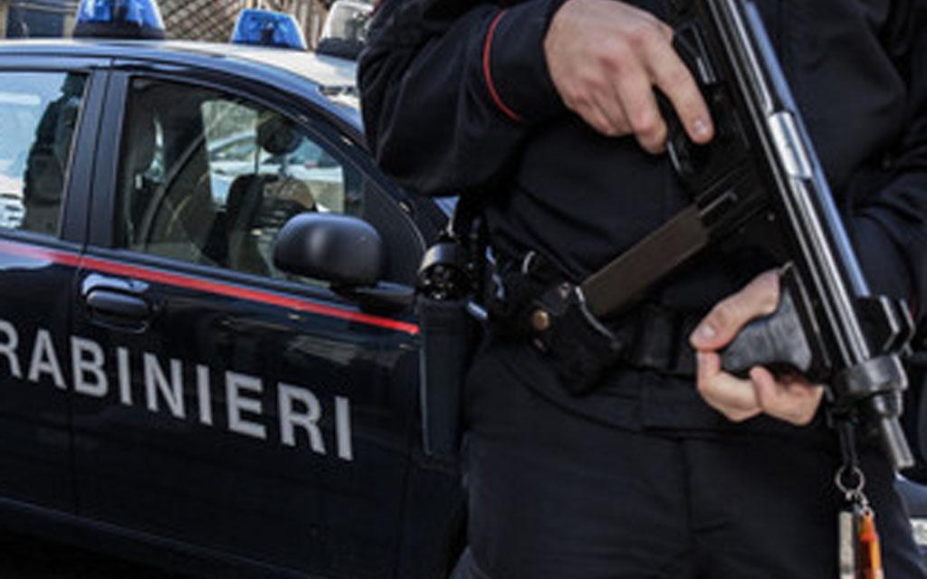 Blitz nella 167 di Arzano: identificate oltre 110 persone, controllati 89 veicoli e due arresti