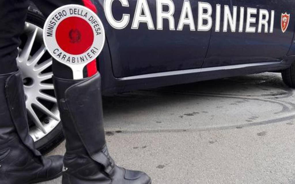 Controlli dei carabinieri a Castellammare: posti di blocco in atto