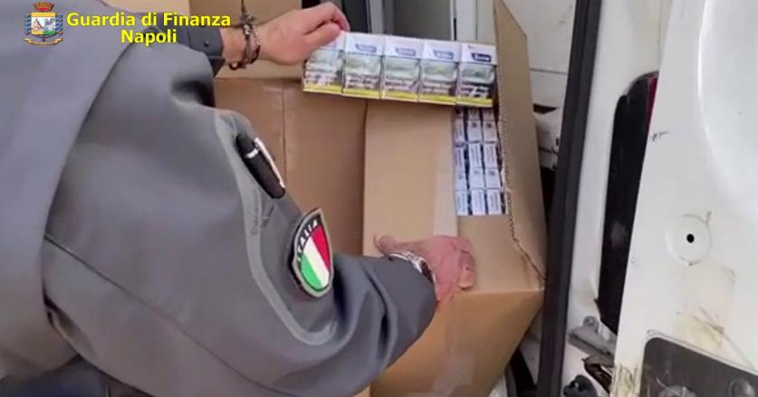 Guardia di finanza sequestra a Castel Volturno oltre 2 tonnellate di sigarette