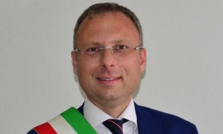 Il sindaco di Casoria positivo al Covid, con forti sintomi