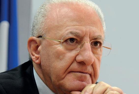 """Vincenzo De Luca sulle nuove restrizioni: """"La situazione è pesante""""."""