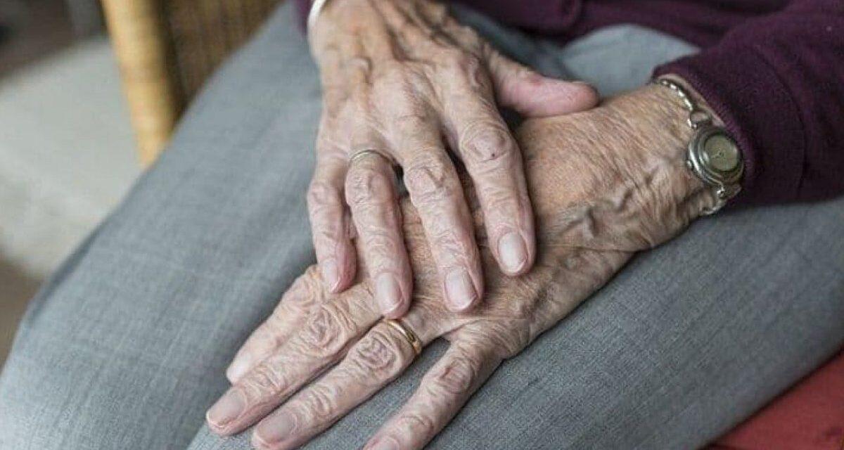 Castellammare, sequestrò un'anziana all'interno della sua abitazione portandole via 20mila euro: arrestato uomo