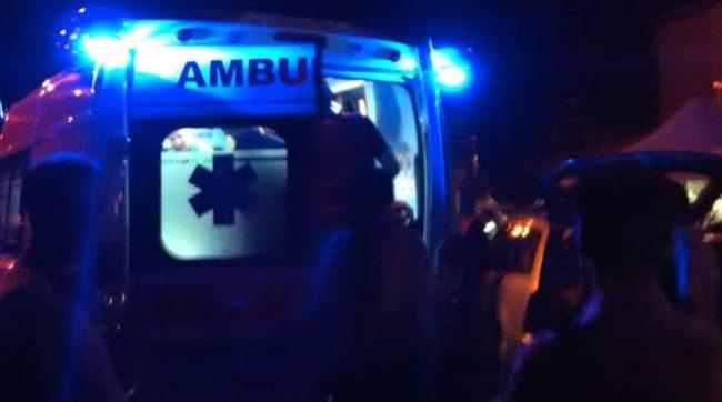 Tragedia sfiorata a Sarno: canna fumaria colpisce autobus