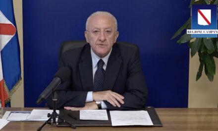 """De Luca: """"Non riapriamo le scuole senza garanzie epidemiologiche"""""""