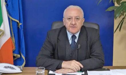 """De Luca contro il Governo: """"Linea poco responsabile ed efficace"""""""