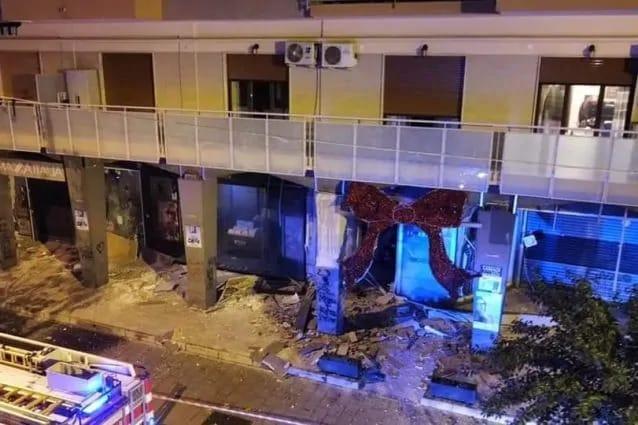 Ancora una bomba a Casoria: è il momento di reagire, i cittadini perbene si riprendano la città
