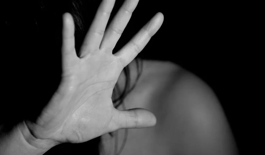 Stalking e violenza sessuale: arrestati due uomini di Frattaminore e Pozzuoli