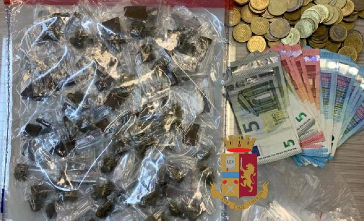 Arrestato spacciatore a Sant'Antimo nel complesso popolare: sequestrata droga
