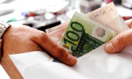 Funzionario comunale arrestato nel Napoletano: intascata mazzetta da 10mila euro