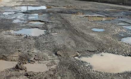 Afragola. Al via i lavori di riqualificazione urbana, ma le ultime strade di via Arena attendono ancora il manto stradale