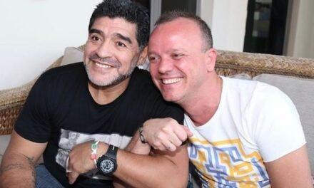 Gigi D'Alessio nel ricordo speciale di Diego Armando Maradona