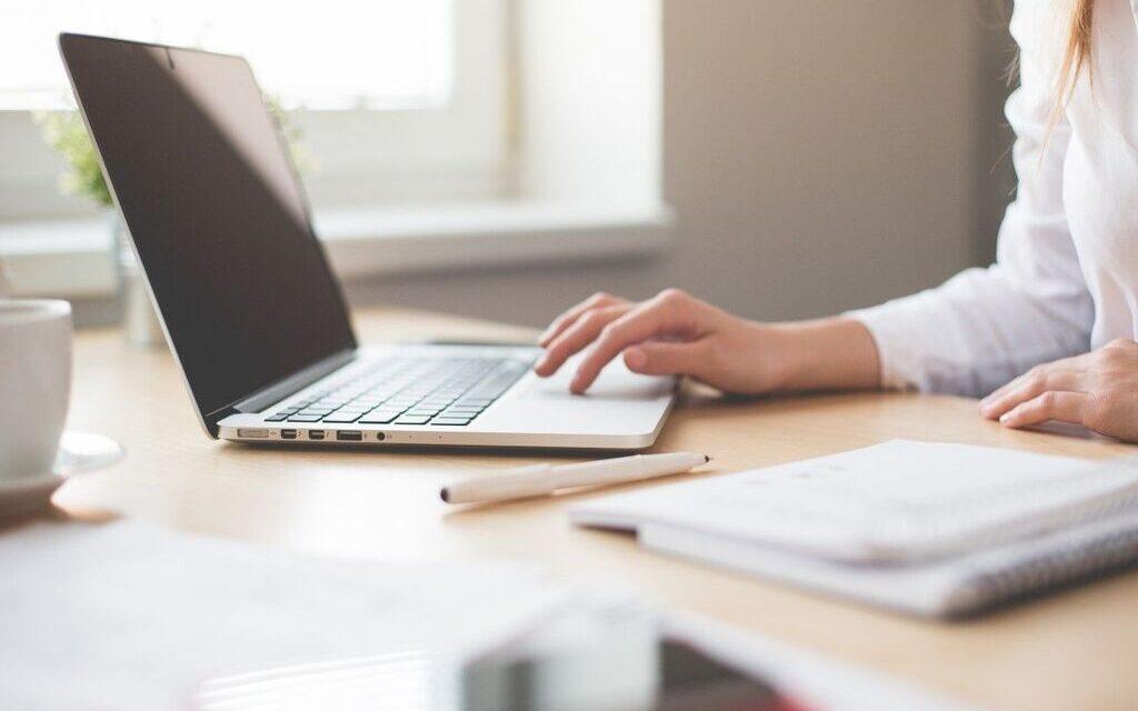 Lavoro. Il comune di Cardito cerca 3 istruttori amministrativi: come presentare la domanda
