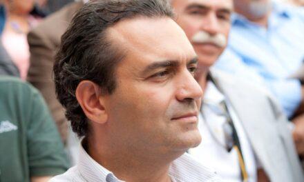 """De Magistris: """"Mi candido alla presidenza della Regione Calabria"""". Al via gli incontri politici per le possibili alleanze"""
