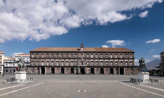 Il Palazzo Reale di Napoli riapre con visite guidate dal nuovo direttore Mario Epifani