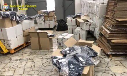 Blitz della Guardia di Finanza in un outlet a Casoria: sequestrati oltre 5000 mila capi di abbigliamento contraffatto