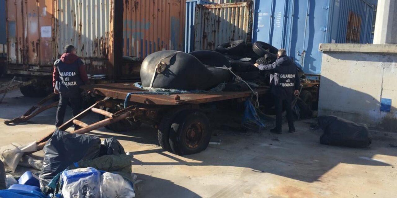 Operazione della Guardia di Finanza. Sequestrati al porto di Napoli 100 tonnellate di rifiuti speciali