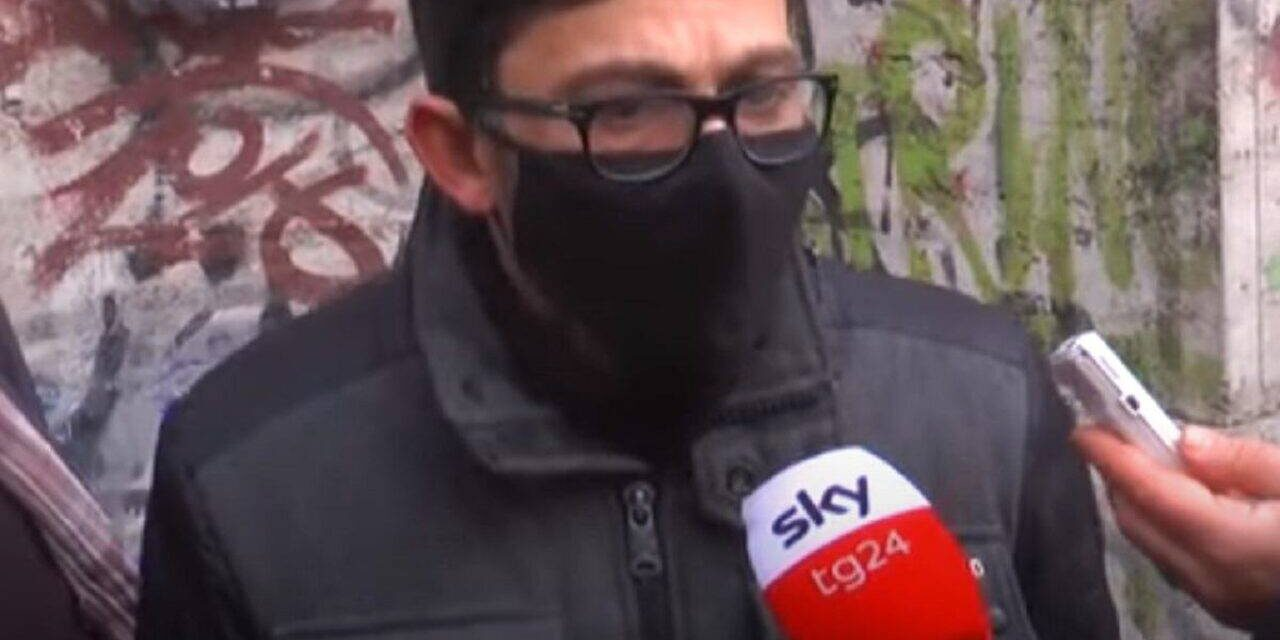 Gianni Lanciano, il rider aggredito e derubato dello scooter ha trovato lavoro in un supermercato di Casoria