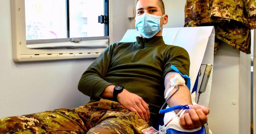 """Donazione di sangue: i Volontari """"Acqui"""" del 17° RAV di Capua in prima linea per un atto d'amore"""