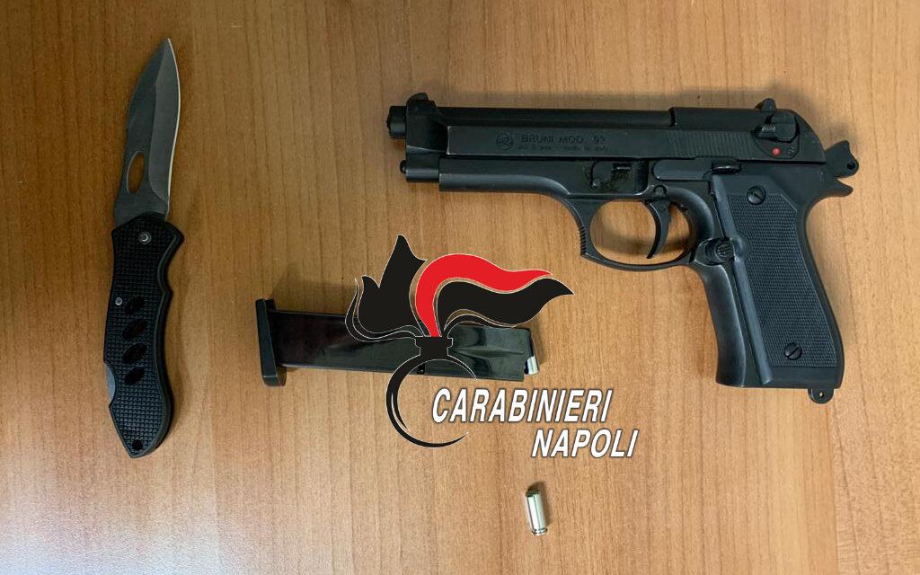 Napoli, colpisce l'ex convivente e la figlia con il calcio di una pistola: arrestato 50enne