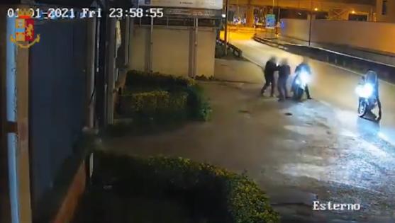 Rapina avvenuta a Casoria lo scorso gennaio: la polizia arresta cinque persone