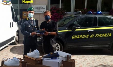 Articoli sequestrati dalla Guardia di Finanza e donati alle associazione no profit di Napoli