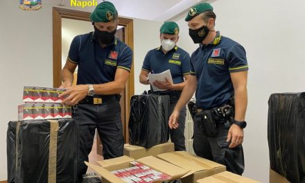 Guardia di Finanza scopre in un garage a Volla 46 casse contenenti sigarette di contrabbando